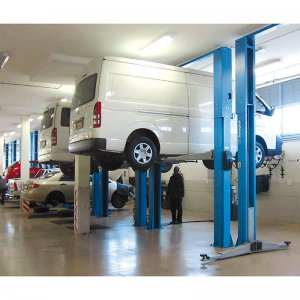 RAV 12000 lb capacity 2post lift requires 13.5' ceiling heightcolonne idraulico con forgone